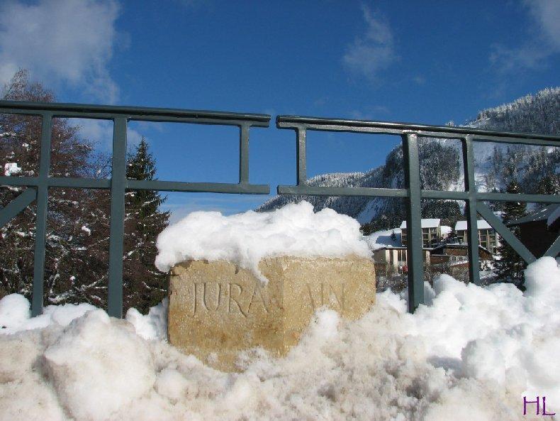 Dimanche de neige dans la vallée de la Valserine - 7 février 2010 0001