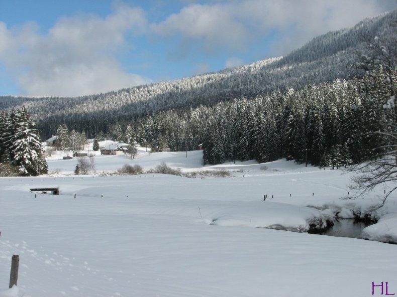 Dimanche de neige dans la vallée de la Valserine - 7 février 2010 0011